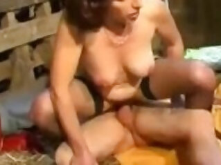 Hairy Mature Pussy Fuck In A Barn