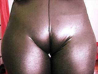 Bubble Butt Teen Has a Huge Cametoe In Tight Rubber Spandex!