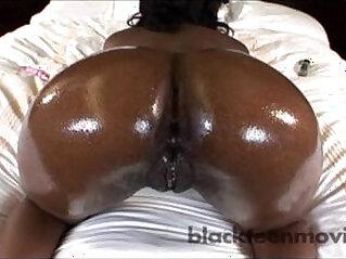 Amazing Black Ass is a Ebony Teen Freak in Amateur Black Porn Video