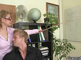 Office lady gives her head and gets fucked