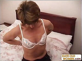 Amateur asian MILF cheating on her husband