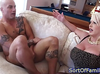 Stepdaughter cocksucking with her stepmom in trio
