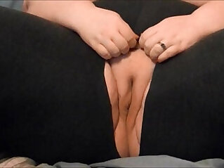 Thesweetsavage cumming in ripped yoga pants