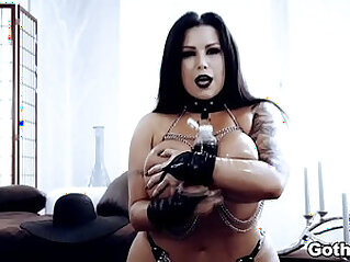 Curvy goth Sheridan Love thristy for a huge dick